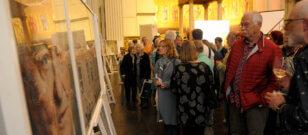 """Ausstellung """"Das Prinzip Apfelbaum. 11 Persönlichkeiten zur Frage ,Was bleibt?'"""" in der St. Nikolaikirche in Potsdam eröffnet."""
